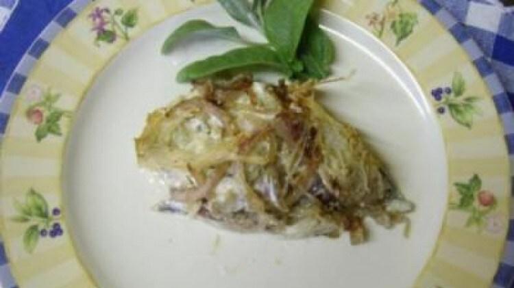 Acciughe patate e cipolle
