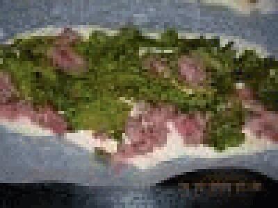 Pizza con salsiccia, patate e broccoletti