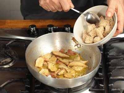 Galletto ripieno con salsa ai porcini