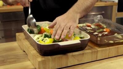 Cosce di pollo con verdure al forno