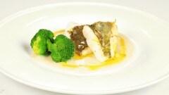Filetto di san pietro su passatina di fagioli e broccoli