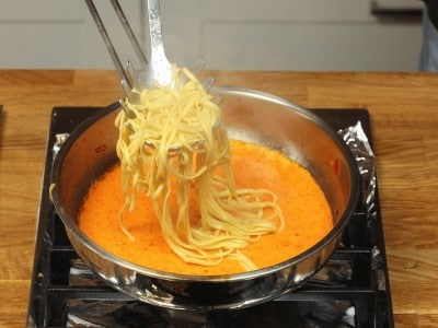 Tagliolini in crema di peperoni