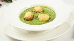 Crema di broccoli con crostini al brie