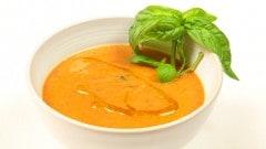 Zuppa tiepida al pomodoro
