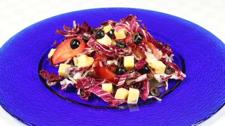 Ricetta insalata mista con radicchio e formaggi cookaround for Ricette insalate