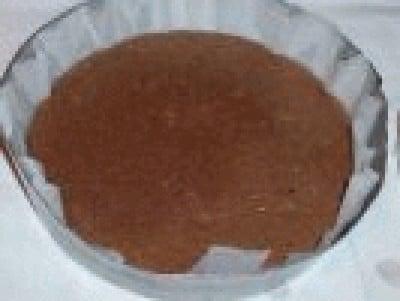 Torta multistrato di cioccolato e crema di vaniglia
