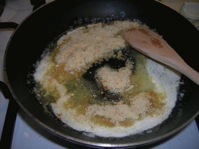 Gnocchi di prugne con pangrattato caramellato alla cannella