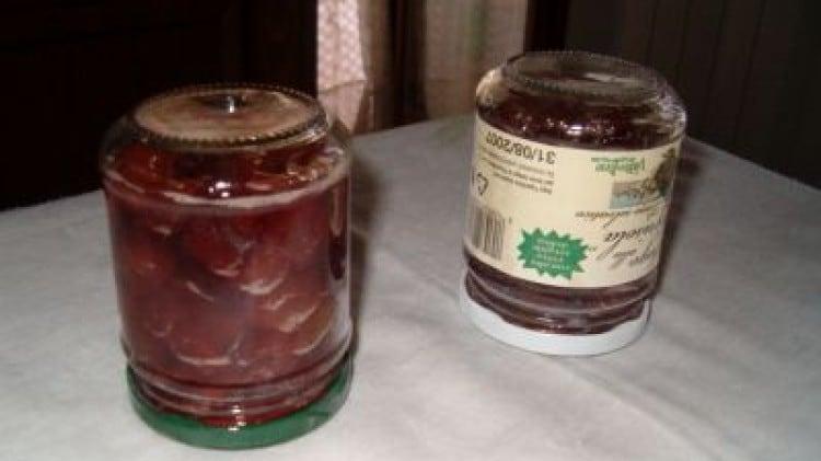 Marmellata di ciliegie di mordicchio