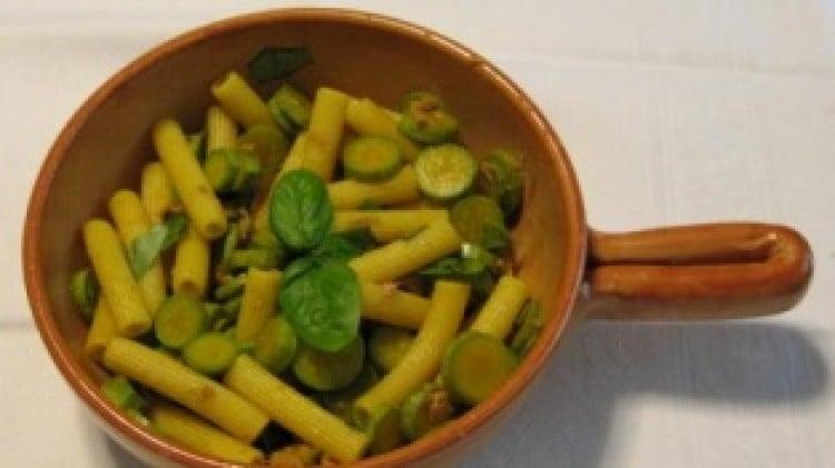 Insalata di pasta con zucchine e tonno