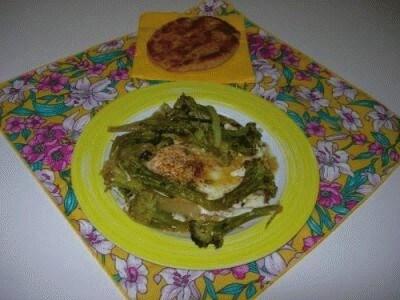 Uova gratinate con broccoli affogati al vino