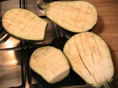 Gnocchi di melanzane con vongole e gallinella