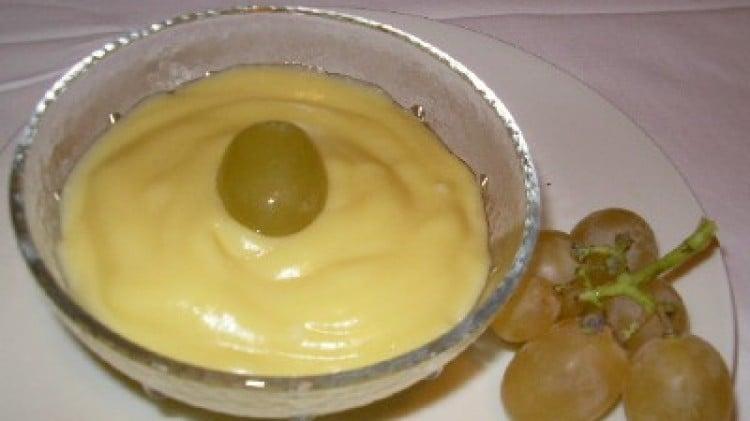 Crema pasticcera all'uva