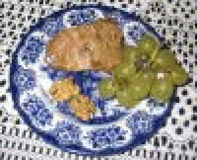 Torta con uva, mele e noci