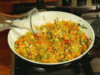 Zuppa vegetariana popolare