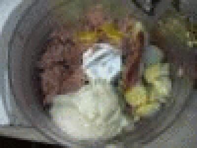Barchette di uova ripiene