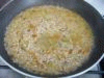 Risotto di barbabietola e piselli con salsa di gorgonzola