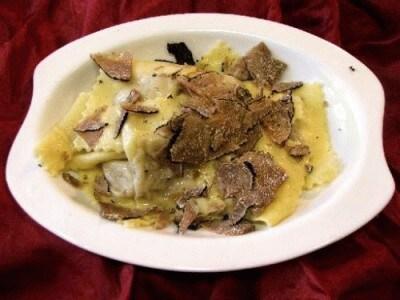 Ravioli al tartufo nero