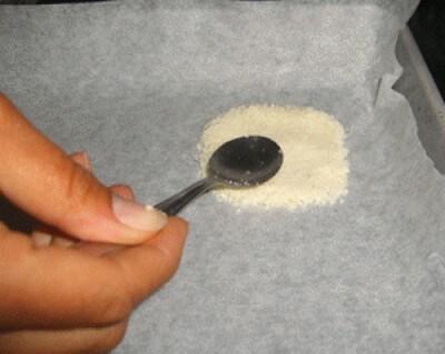 Gondole di grana con crema di rucola