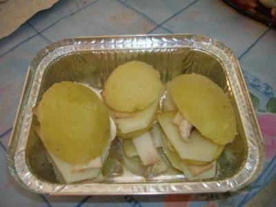 Sandwich di patate, con funghi e provola affumicata