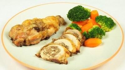 Cosce di pollo ripiene con il fegato