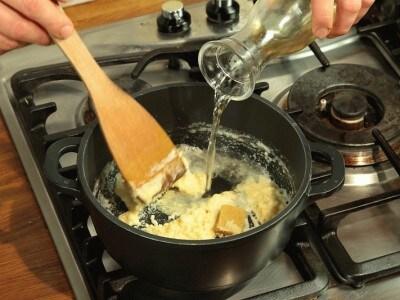 Vitello o tacchino in polpette con salsa bianca