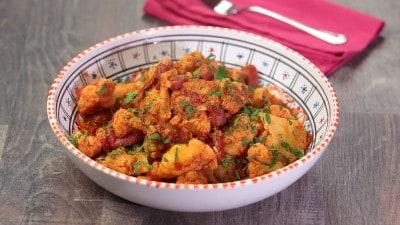 Cavolfiore con salsa dorsa (salsa di pomodori, aglio e peperoncino)