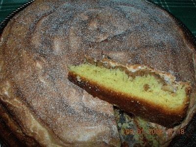 Torta meringata con le noci