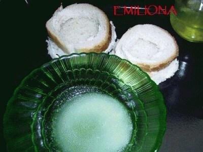 Cestini di pane con fagiolini, funghi e carotine in crosta di pecorino