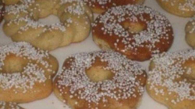 Ciambelline con miele e cannella glassate