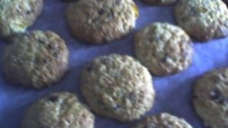 Biscotti all'arancia con scorzette e cioccolato