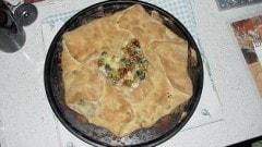 Torta salata con pasta di pizza
