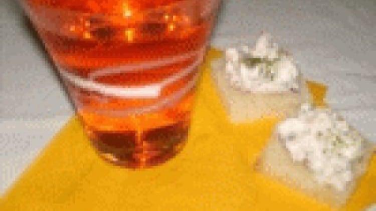 Bruschettine alla ricotta, pomodorini secchi e salsiccia di tacchino