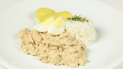Pollo con salsa cremosa