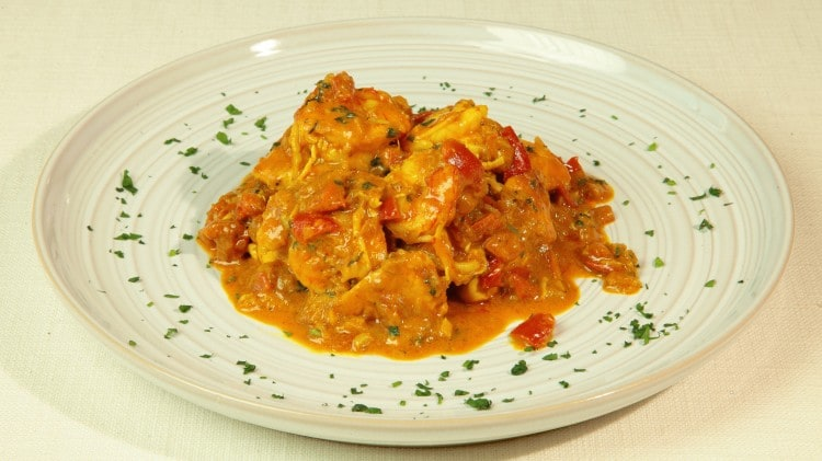 Curry malgascio di gamberi e pollo
