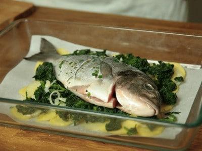 Dorada con verdure al horno