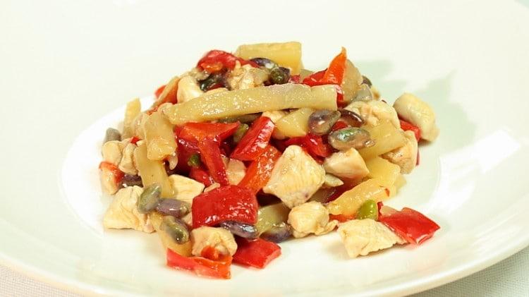 Petto di pollo all'ananas e pistacchio