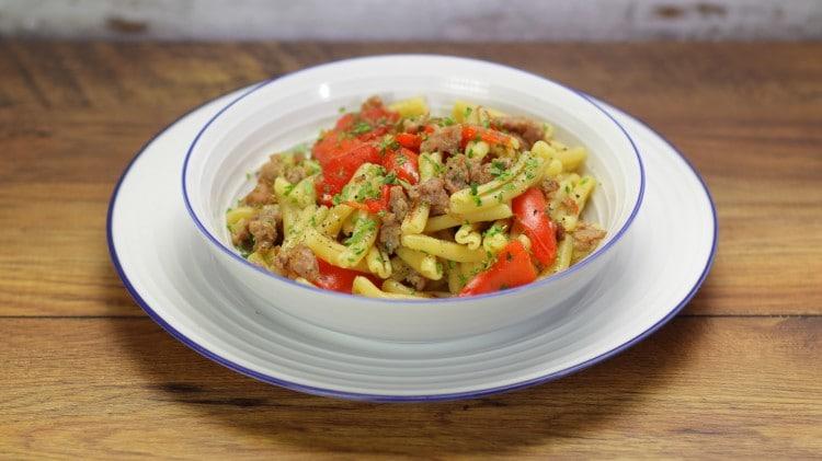 Caserecce alla salsiccia e peperoni