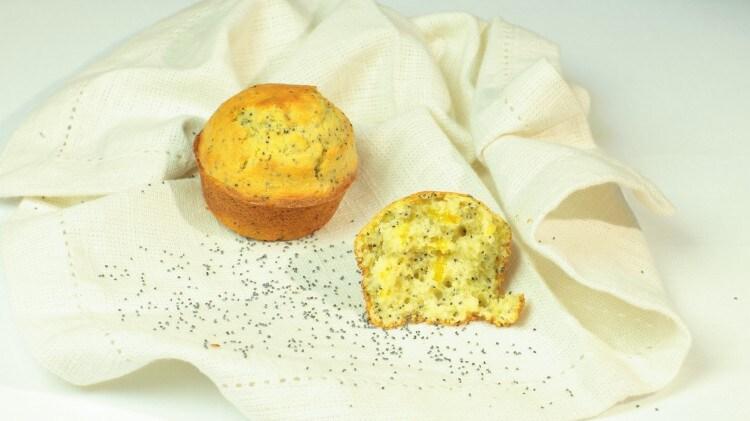 Muffins al limone con semi di papavero