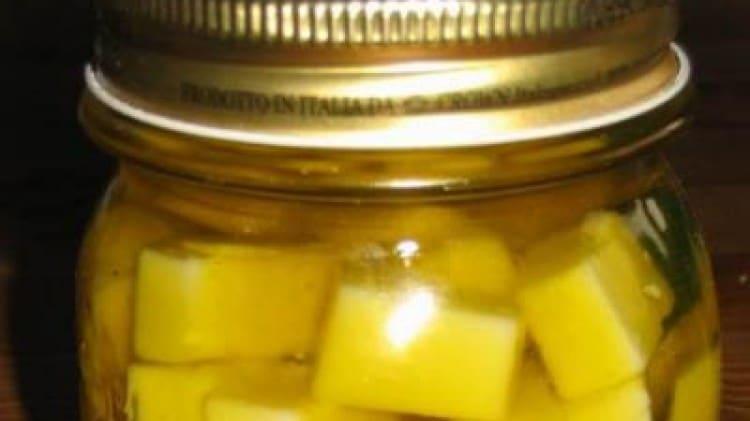 Pecorino sott'olio