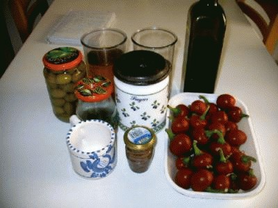 Peperoncini piccanti ripieni sott'olio