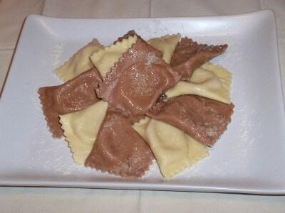 Tortelli di zucca bicolor