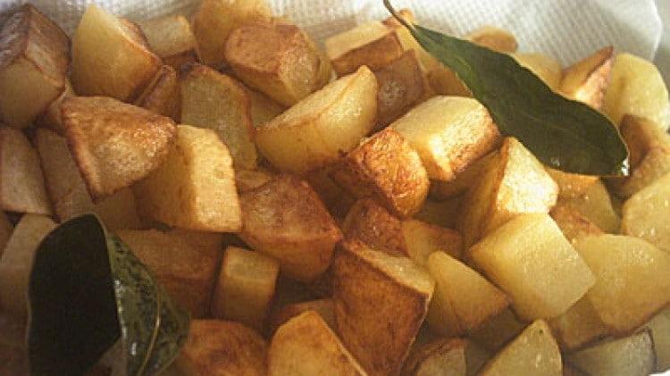 Patatine al burro e alloro