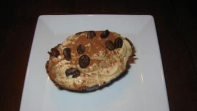 Ovetti di cioccolata con mousse al caffè