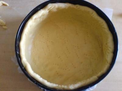 Prugne alla vaniglia in pasta brioche