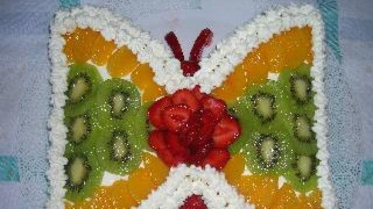 Farfalla alla crema e frutta