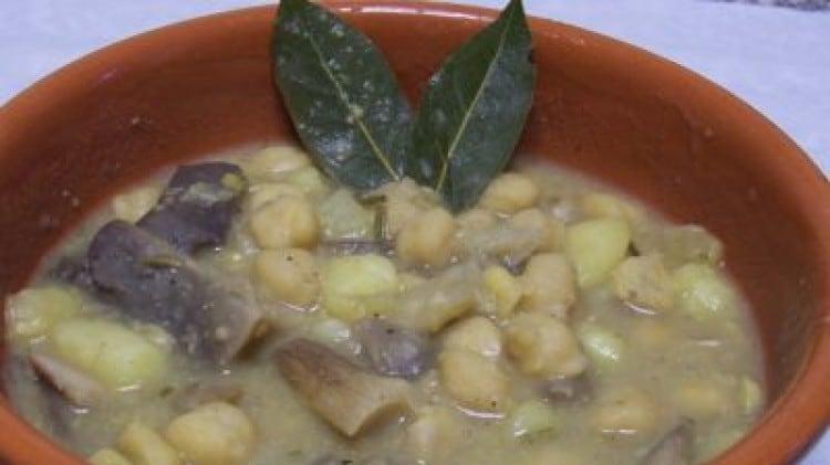Zuppa di ceci con funghi e patate