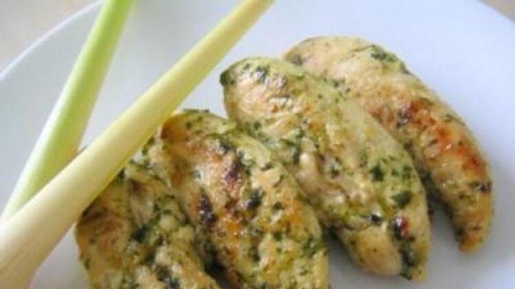 Pollo aromatico con coriandolo, zenzero e citronella