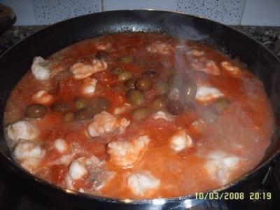Coda di rospo in umido con olive taggiasche