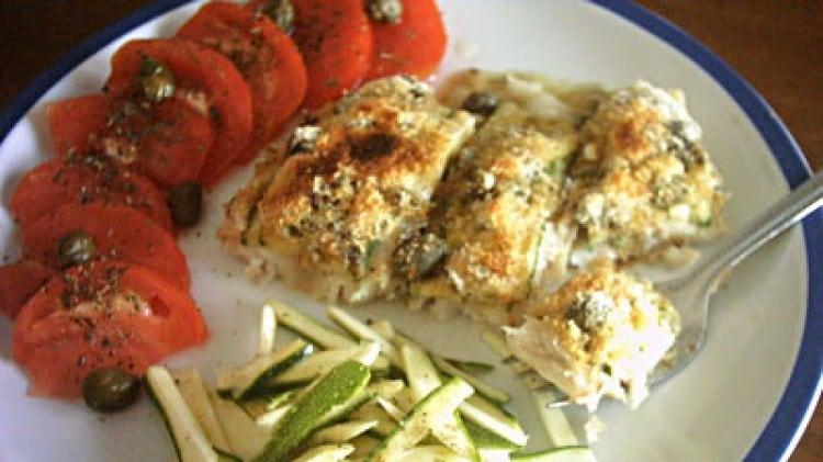 Merluzzo in crosta di zucchine e capperi