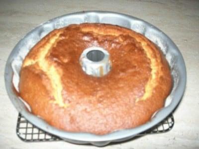 Mango e macadamia cake